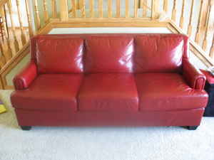 Red_leather_sofa